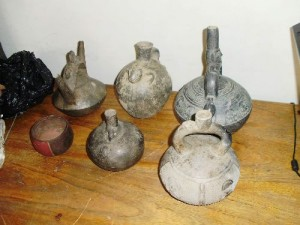 Incautan gran cantidad de objetos preincaicos e incaicos en tienda de Cusco