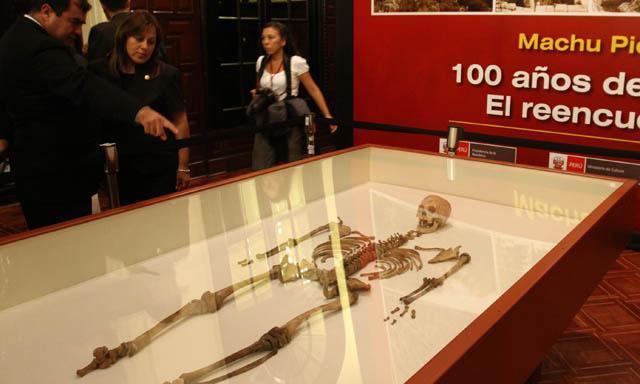 Exhiben muestra de piezas de Machu Picchu en el Cusco