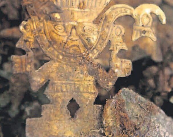 Hallazgo Importante: Descubren joyas de oro en tumba de personaje de Cultura Lambayeque