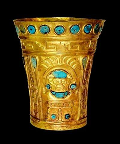 Vaso Ceremonial de Oro y Crisocola