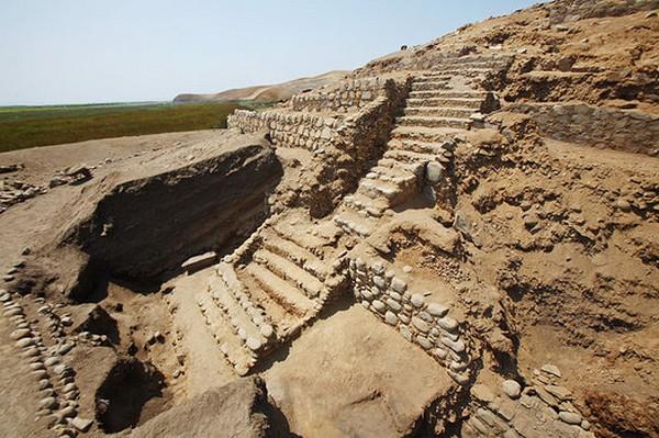 Sitio Arqueológico del Áspero – Supe Puerto, La Ciudad Pesquera de la Civilización Caral