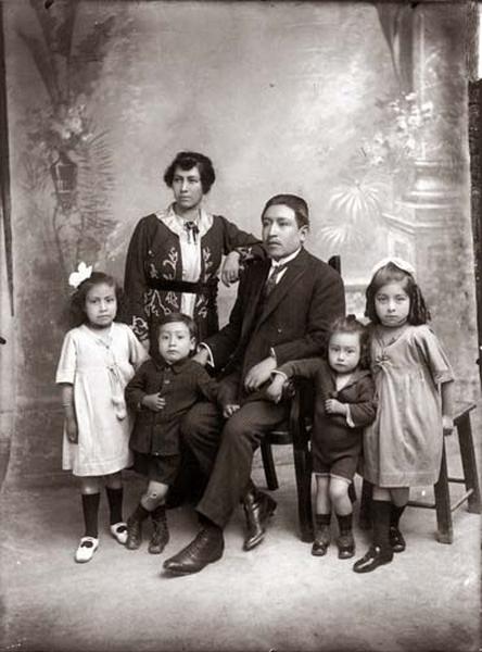 Martin-Chambi-Retrato-de-Familia-Jara-Vindalon