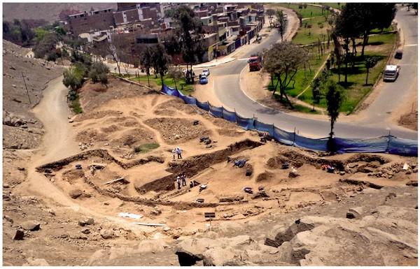 Observaciones a las excavaciones de rescate realizadas por la Municipalidad de Ate- Ministerio de Cultura en el sitio arqueológico de Puruchuco- Huaquerones, Lima-2013