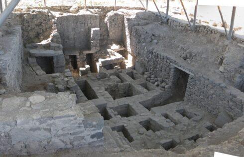 tumba-en-complejo-arqueologico-wari-Ayacucho
