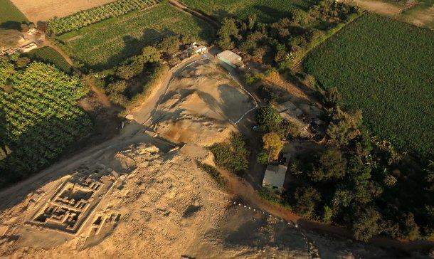 El descubrimiento de una tumba Wari intacta en el Castillo de Huarmey, Perú