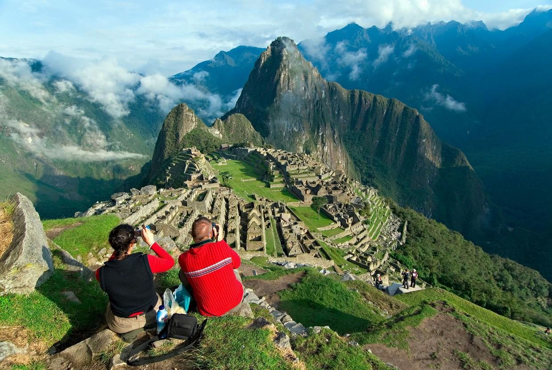 turistas-en-ciudadela-de-Machu-Picchu