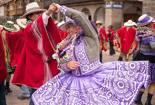 Cusco alberga su versión del Carnaval, una celebración anual de la cosecha y la fertilidad, en febrero.  (Fotografía de Erika Skogg)