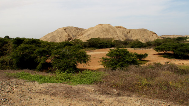 Por primera vez arqueólogos investigan Huaca Toledo