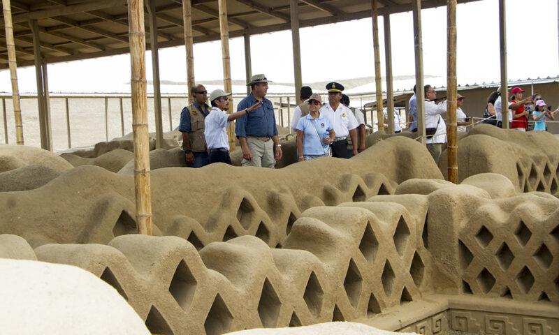 Presidente de Costa Rica resalta labor de conservación en la Ciudadela de Chan Chan