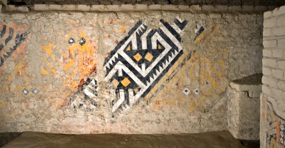 senora-de-cao-mural-lateral-tumba