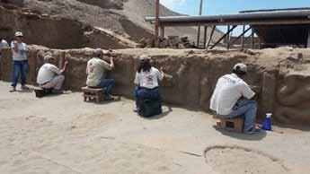"""Descubrimiento del """"patio de las serpientes"""" en Huaca de la Luna, Trujillo, Perú"""