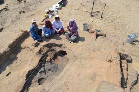 Excavación de área de combustión en Cerro Blanco, Huacas de Moche, Trujillo, Perú