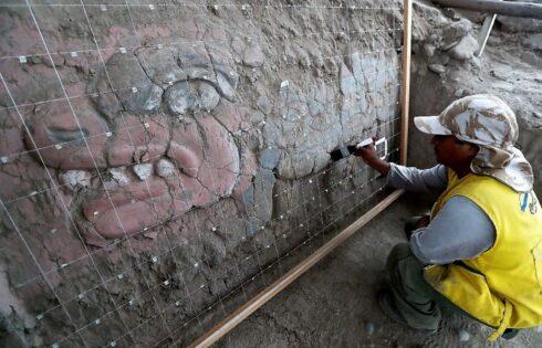 Descubren en Huaca Garagay frisos de 3,500 años de antigüedad similares a Chavín de Huántar