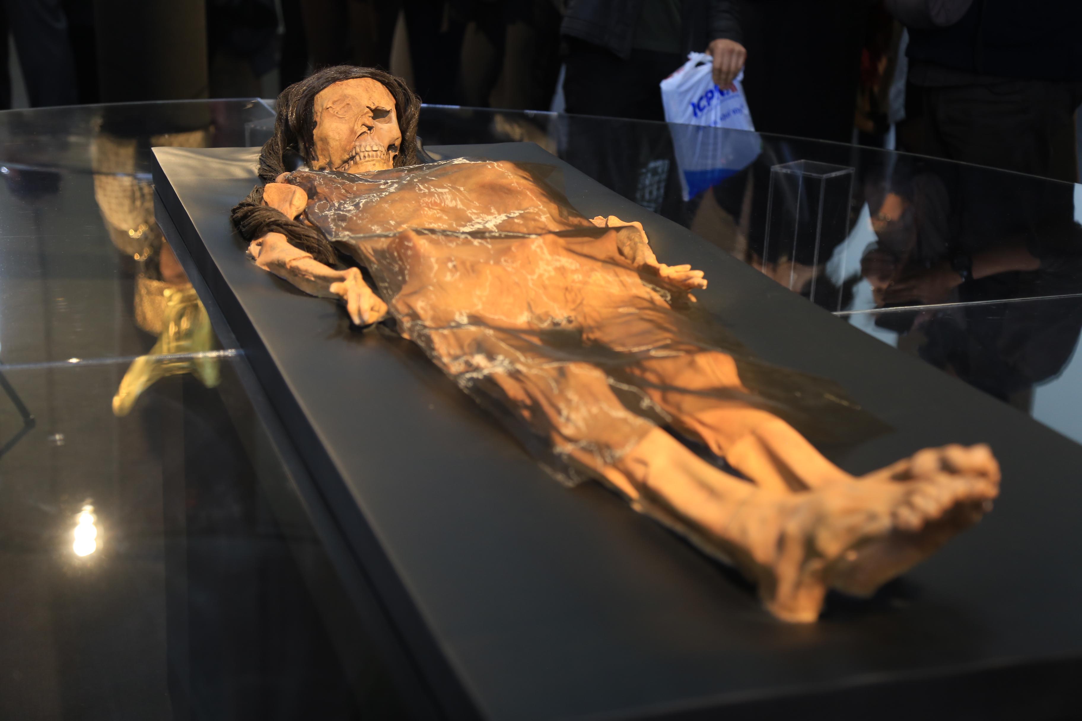 señora de cao - Arqueología del Perú | Historia, Turismo, Arte ...