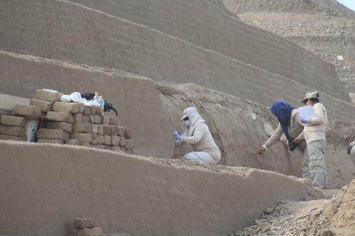 Hallan tercera escalinata en la Huaca Toledo en complejo arqueológico Chan Chan