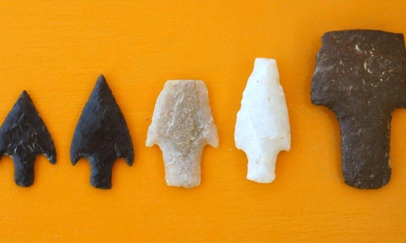 Hallan puntas de lanza que usaron cazadores hace 12.000 años