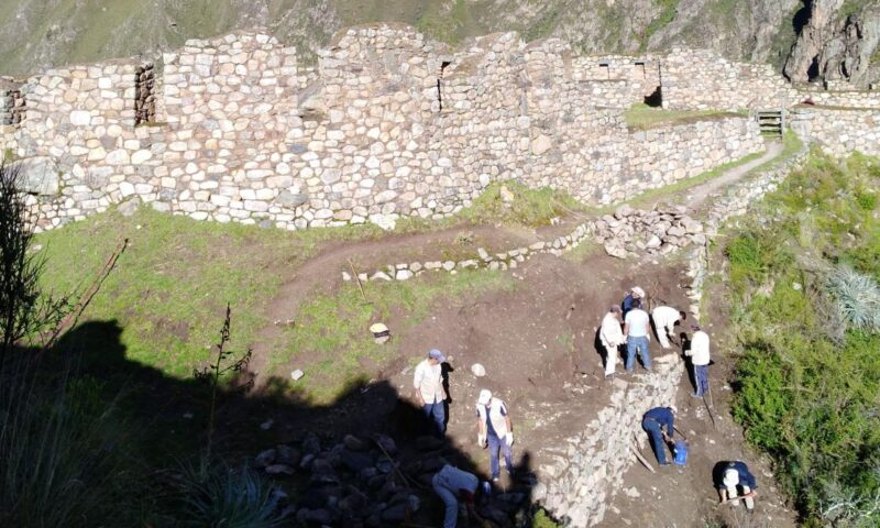 Rehabilitan acceso a monumento arqueológico de Willkaraqay en Machu Picchu