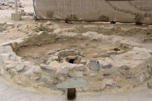 """Los """"altares del fuego sagrado"""" de la ciudad más antigua de América: CARAL"""